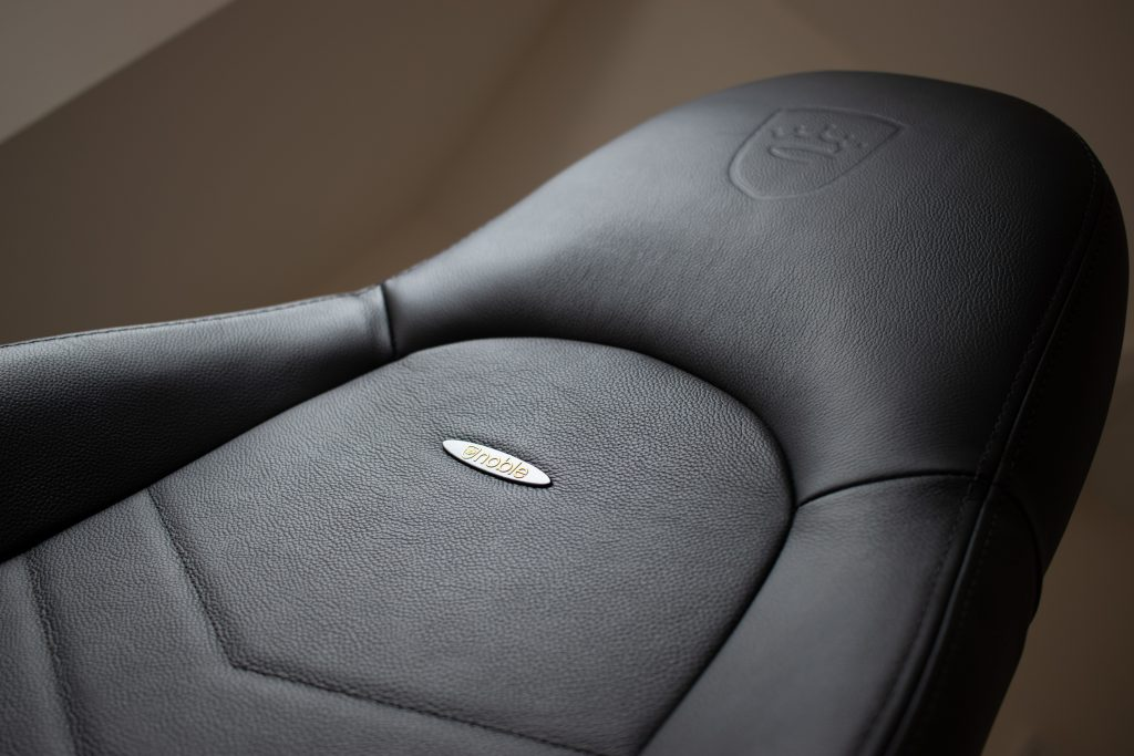 Noblechairs Icon Gaming Chair Real Leather Review - Material 2
